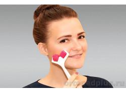 Пластиковый массажер для лица ZQ001
